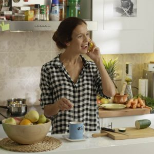 Cristina Rojas en película Seis y medio